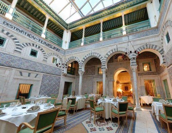 Le patio de Dar Hamouda Pacha, lu0027un des palais les mieux restaurés - chambres d hotes saint palais sur mer