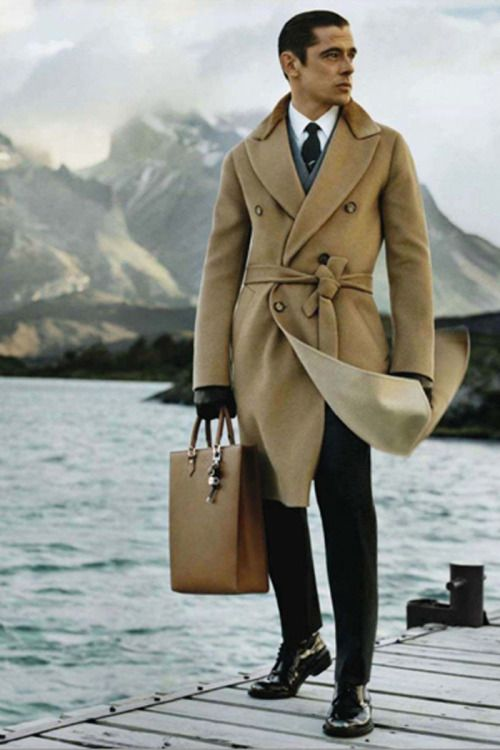 Really elegant outfit. A camel coat is great for a man.