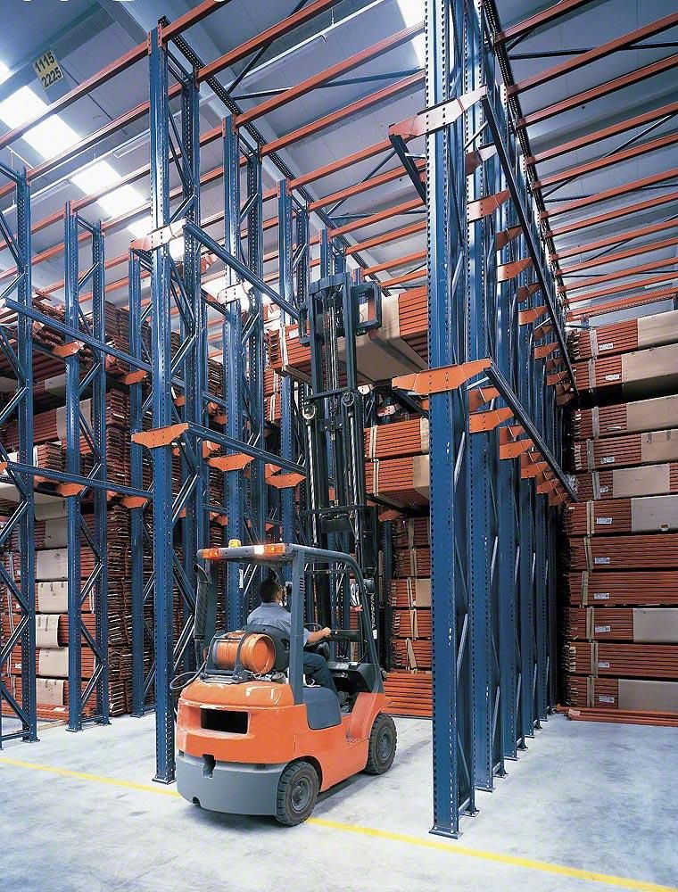 Drive In Pallet Racking Pallet Racking Www Mecalux Com Pallet Rack Warehouse Layout Pallet