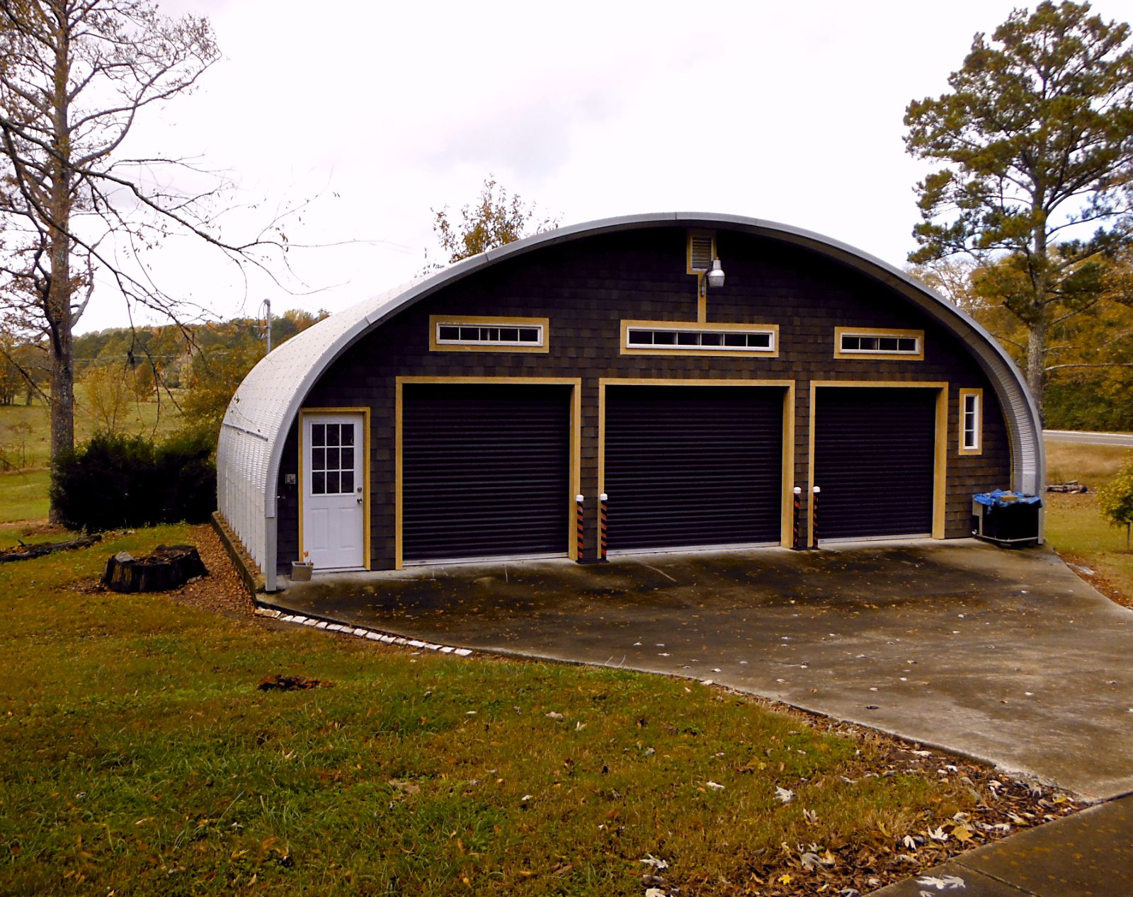 Check out this custom made 3 car garage