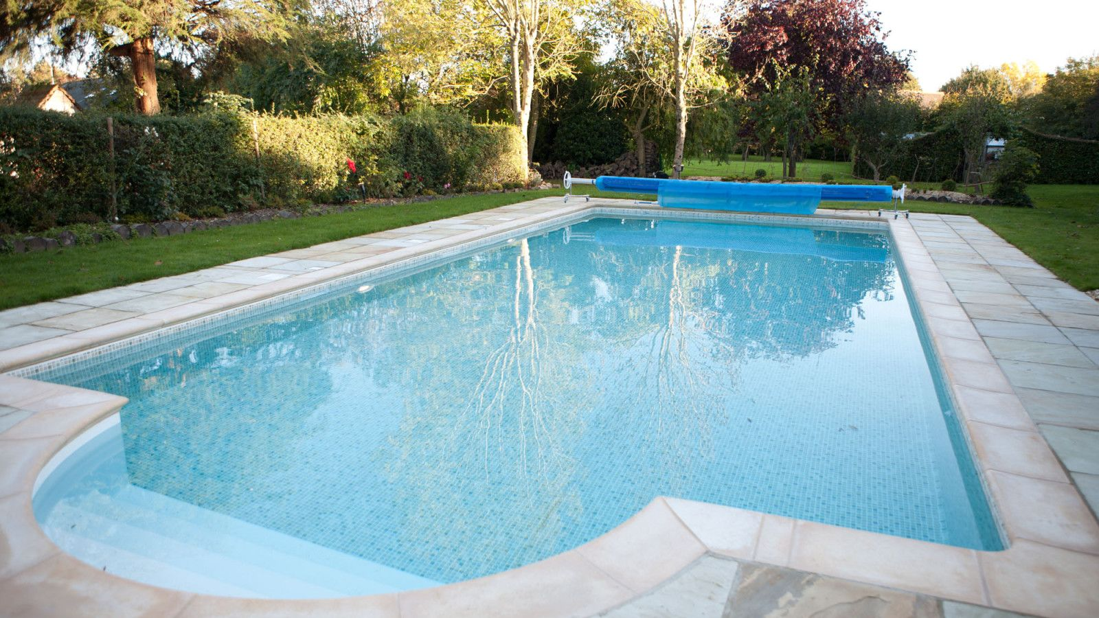 Shopwyke Manor Large Uk Holiday Home The Big Cottage Company Kate Tom S Outdoor Heated Pool At Shopw Big Cottages Amazing Swimming Pools Holiday Home