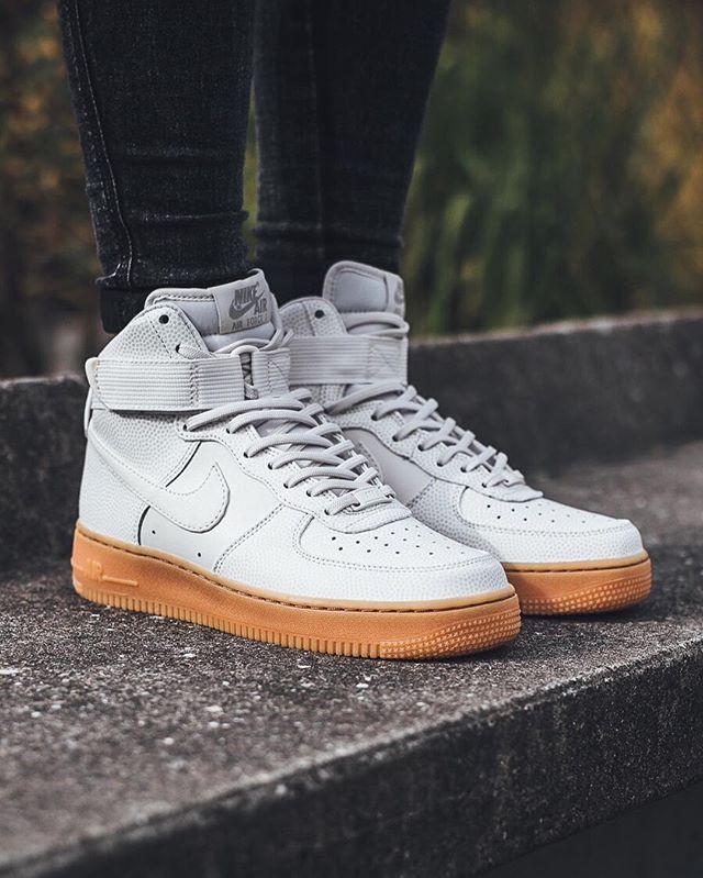 Nike Air Force 1 Hi SE