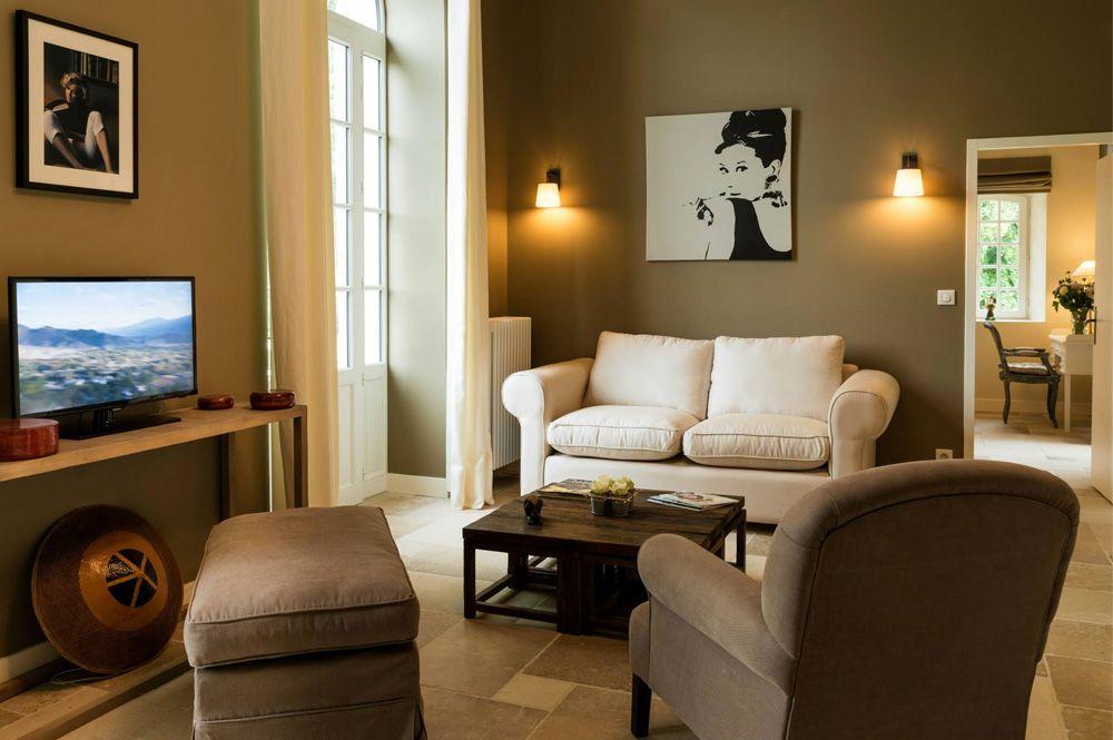 Flamant Projects Guesthouse Manoir D Astree Lugon Et Lile Du Carnay France Photo Yoan Chevojon Interieur Maison Meubles En Bois Naturel Decoration Maison