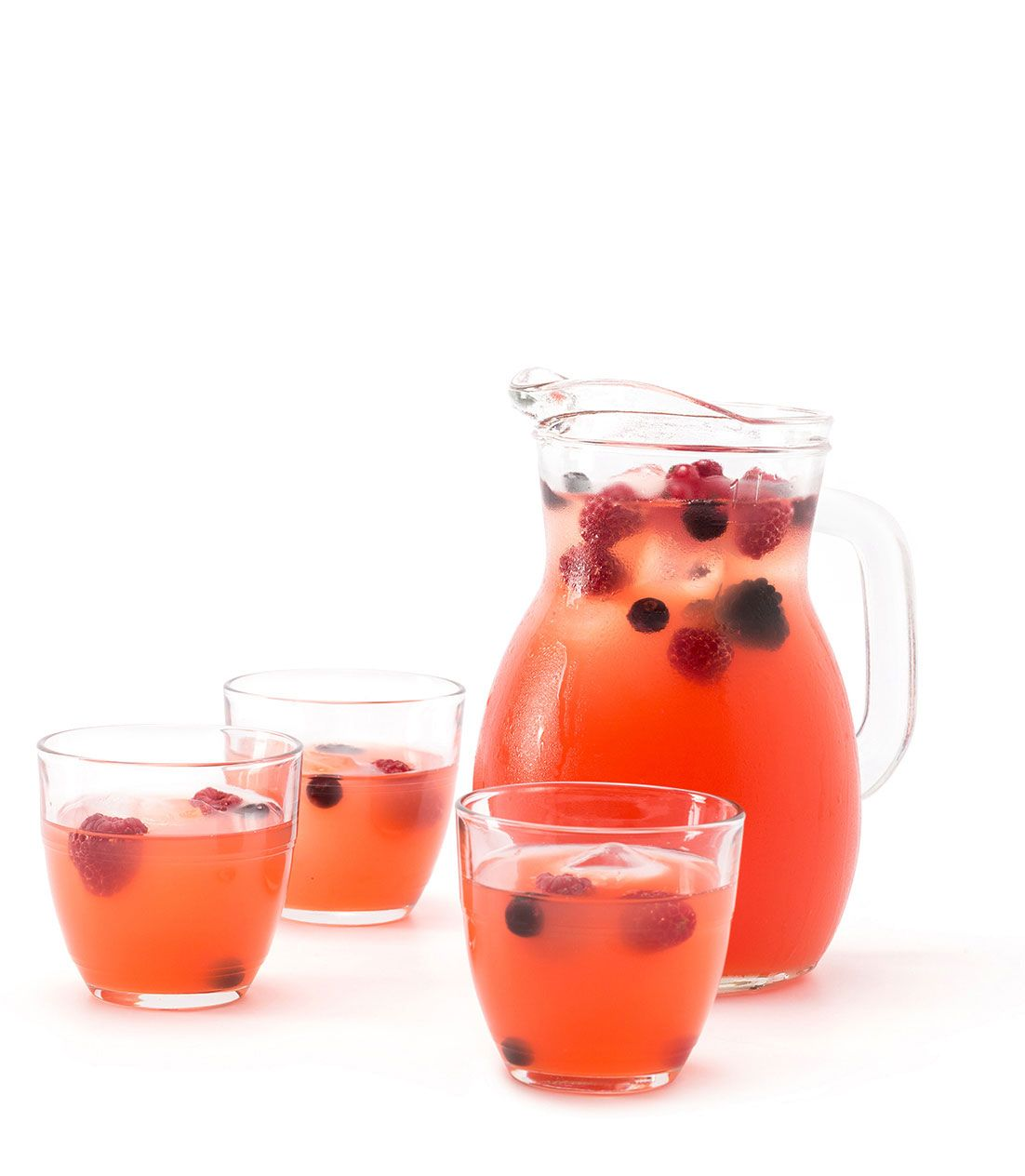 P No Time To Prepare We Have The Solution Passoa Sangria Is A Great Idea For An Aperitif And Is Easy To Make And Share All You Nee Sangria Aperitif Fruity