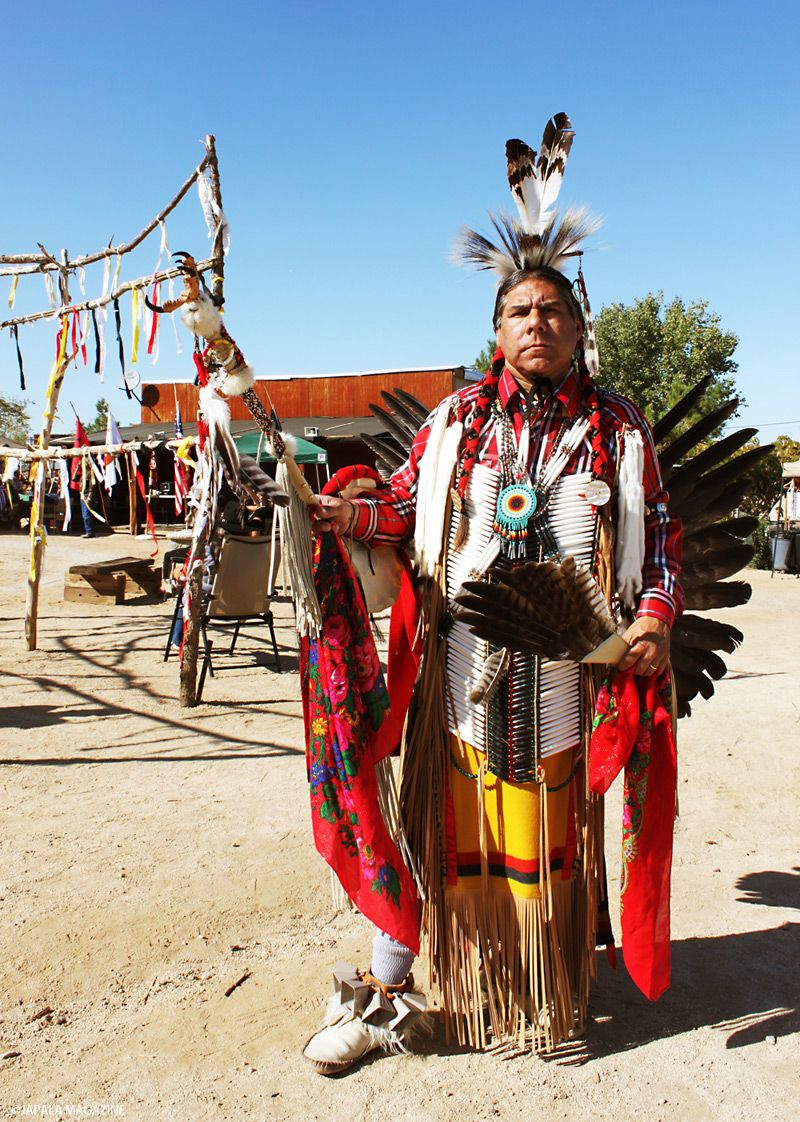 アパッチ族首長スピリットウルフに招待され ネイティブアメリカンの祭 ...