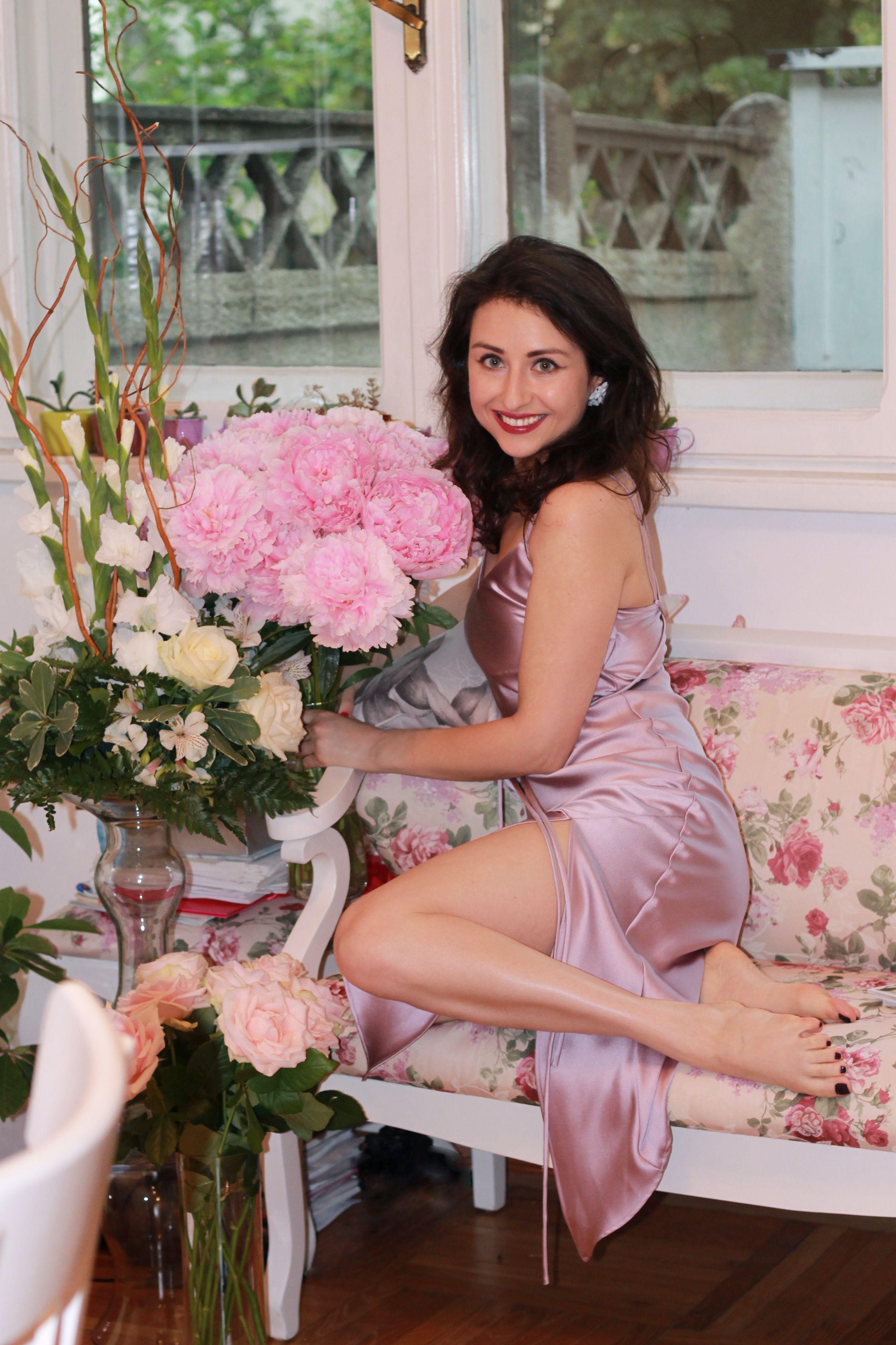 Peonies love | Flowers | Pinterest