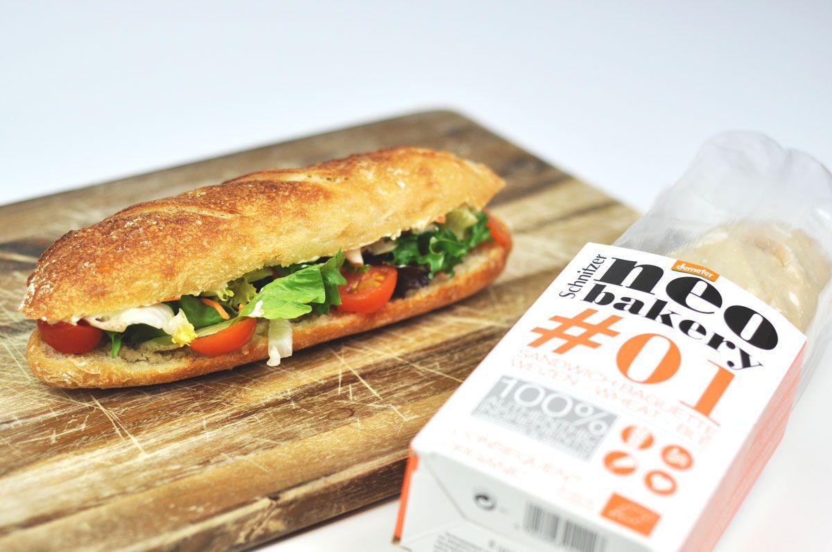 Außen knusprig, innen fluffig  –  das neo bakery Sandwich Baguette ist die ideale Grundlage für lecker belegte Brote.