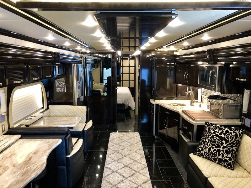 2014 Newmar King Aire 4599 Triple Bunk for sale Ada, MI