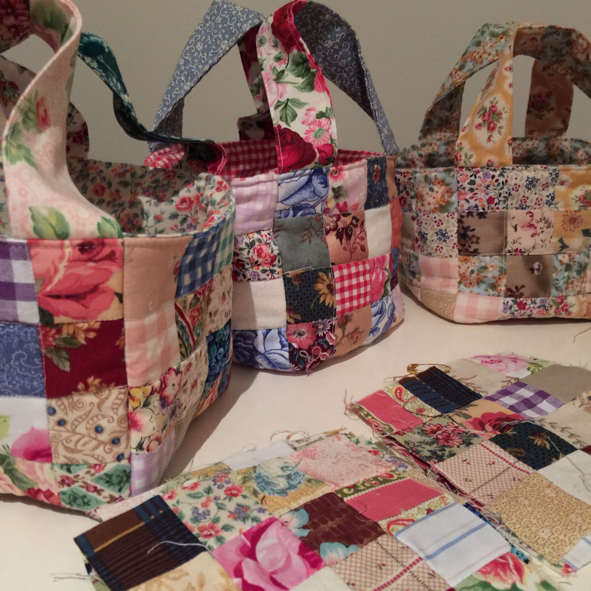 Quilted Scrap Fabric Baskets Free Tutorial ️ Susies Scraps