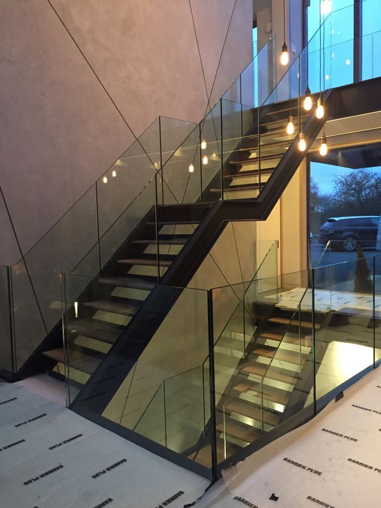 Best Steel Staircase With Frameless Glass Balustrade 640 x 480