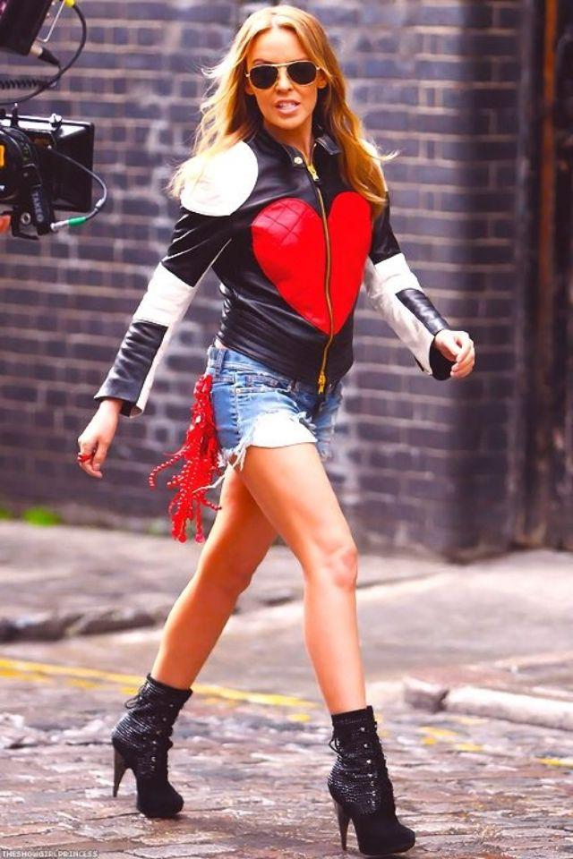 Kylie Minogue- Timebomb   Kylie minouge, Kylie minogue x, Kylie minogue