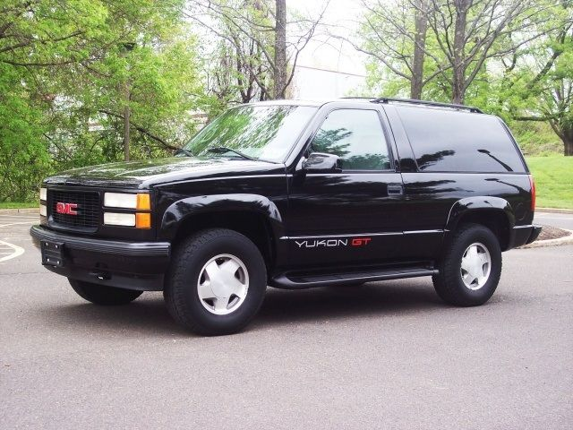 1996 Gmc Yukon Gt Not Exactly Vintage But They Don T Make These Anymore Either Proud To Own One Just Like This Cars Trucks Gmc Gmc Truck