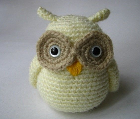 i just really like owls. love what this little guy is made of ...