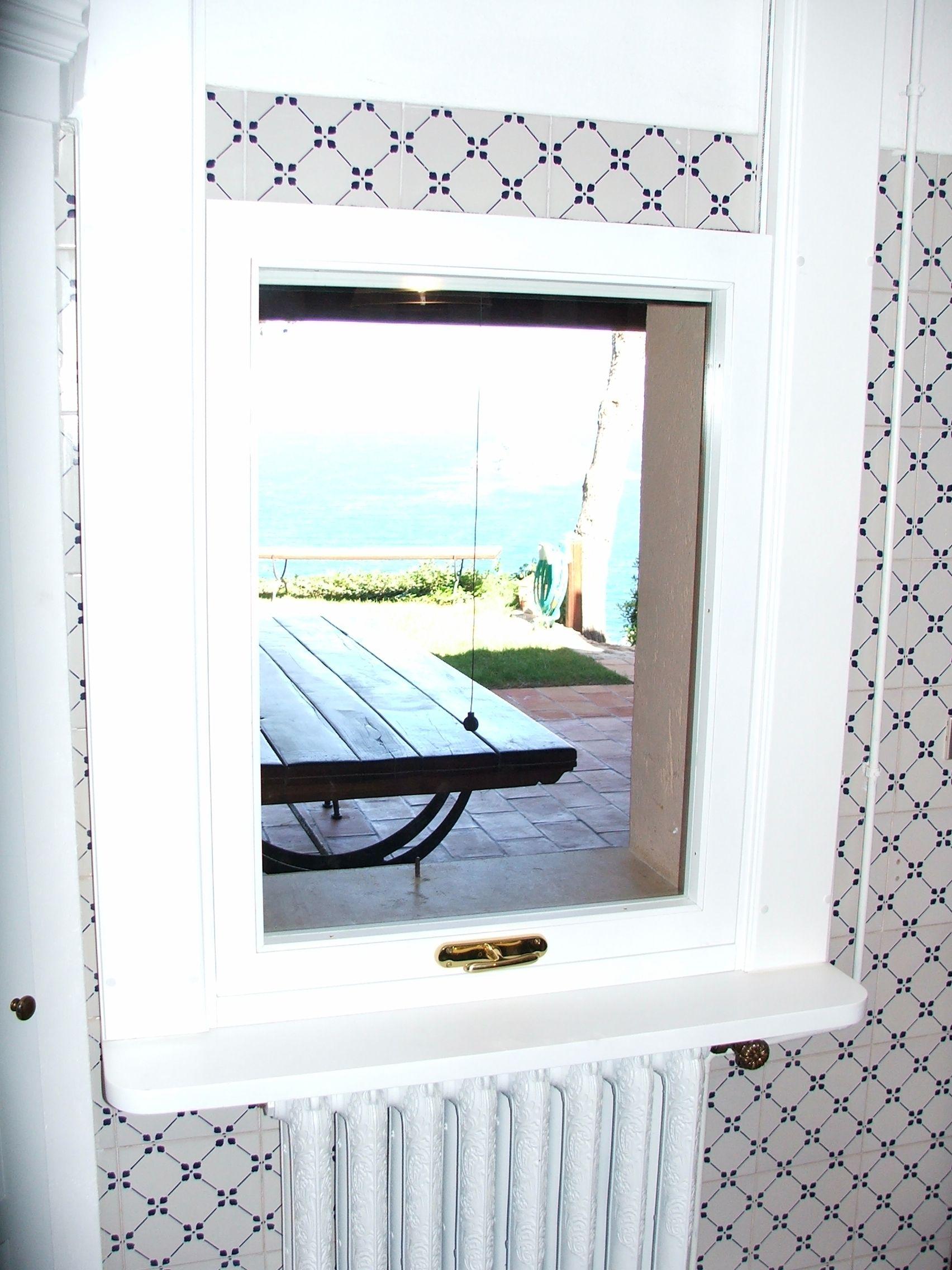 Finestra a ghigliottina infissi artigianali home decor for Falegnameria trentini