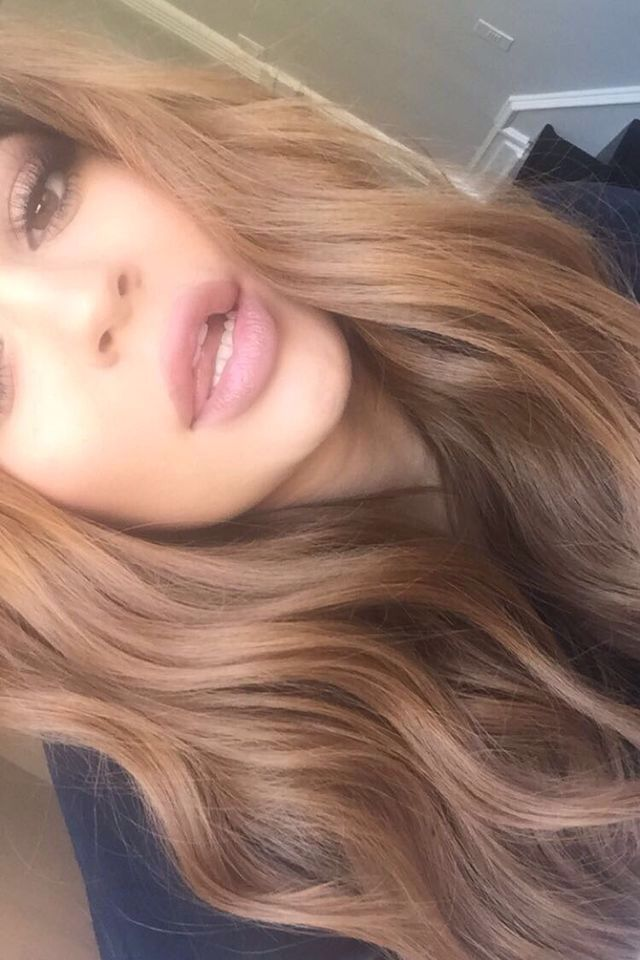 Kylie Jenner S Golden Brunette Is The Hair Color Everyone S Obsessed With Rn In 2020 Kylie Hair Jenner Hair Honey Blonde Hair