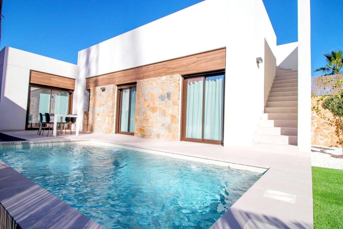 Costa Blanca For Sale 2 Bedroom House Villa In La Finca For 279 000 In 2020 Villa S Villa Alicante