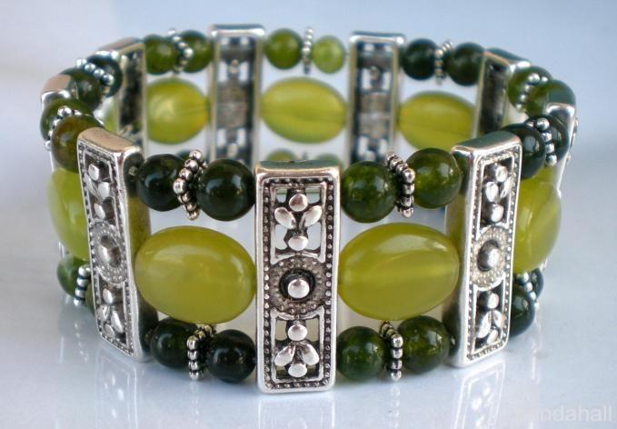 Tibetan style jade beaded bangle made by Ljubica Miletic from LC.Pandahall.com
