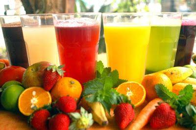 http://carolinabonesnutri.blogspot.com.br/2012/11/receitas-de-sucos-para-fazer-na.html