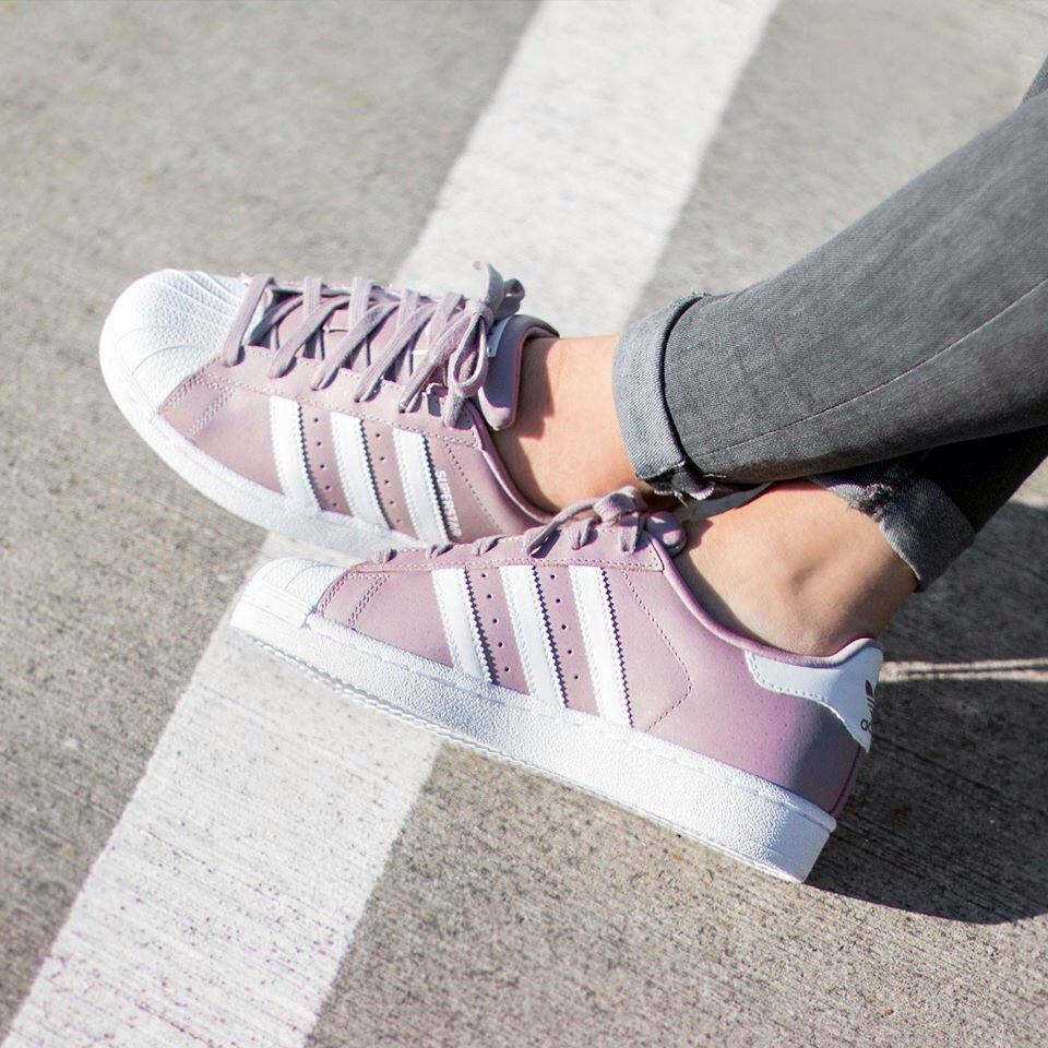 best authentic 16a4a 9ac7b 20 Diferentes estilos de Adidas que todas las chicas nos morimos por tener