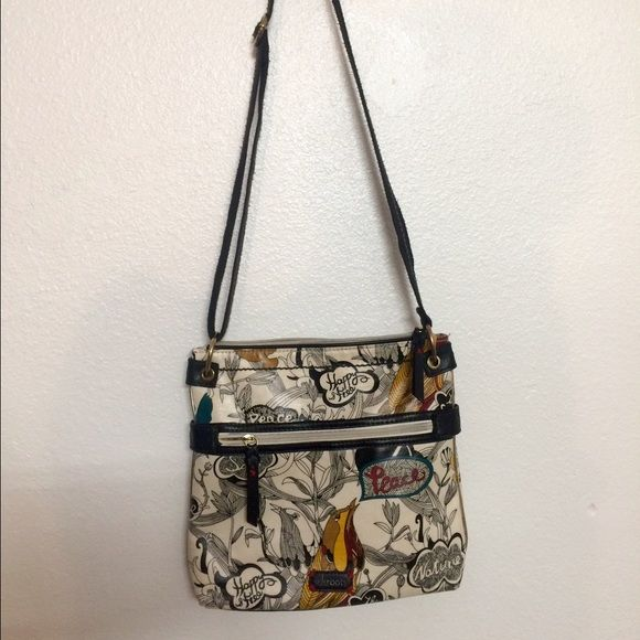 Crossbody bag This is a Sakroots  Crossbody bag that it in almost new condition. Sakroots Bags Crossbody Bags