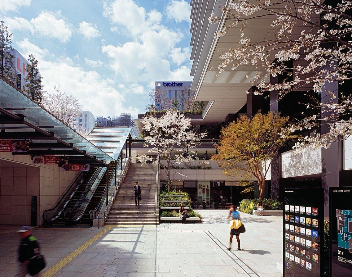 Tokyo Square Garden 3 1 1 Kyobashi Chuo Ku Tokyo 104 0031 Japan Streetscape Design Plaza Design Architecture Exterior