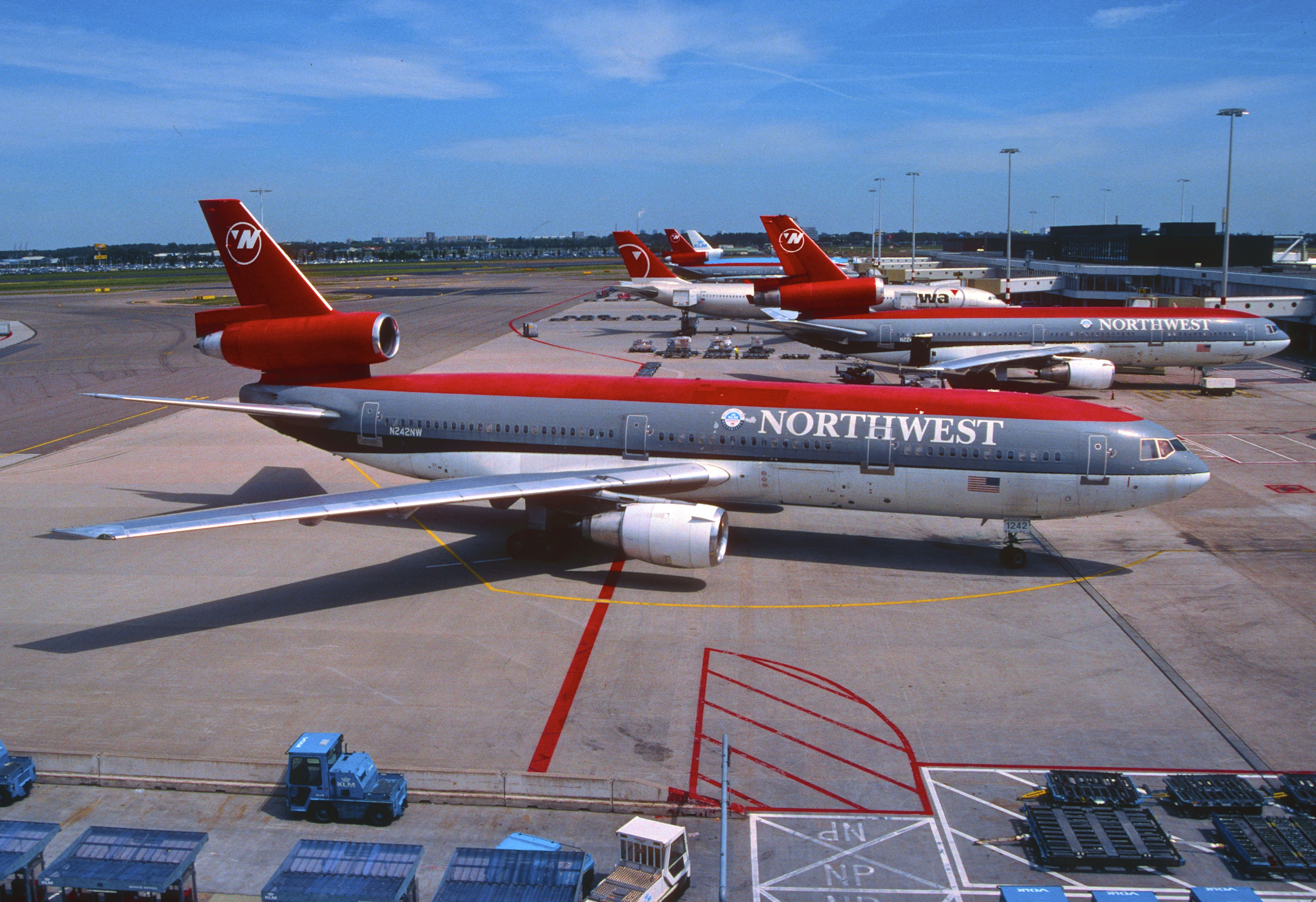 Northwest Airlines Dc 10 30 N242nw Northwest Airlines Aircraft
