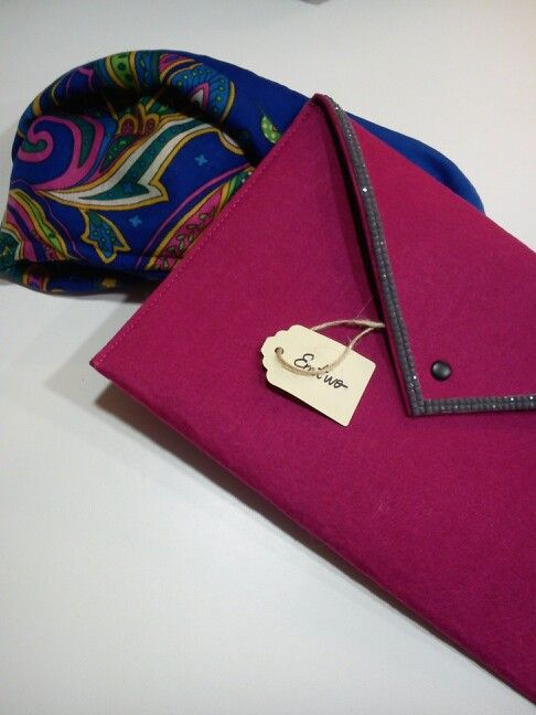 Cartera y pañuelo exclusivo EmTwo. https://www.facebook.com/llovetmir