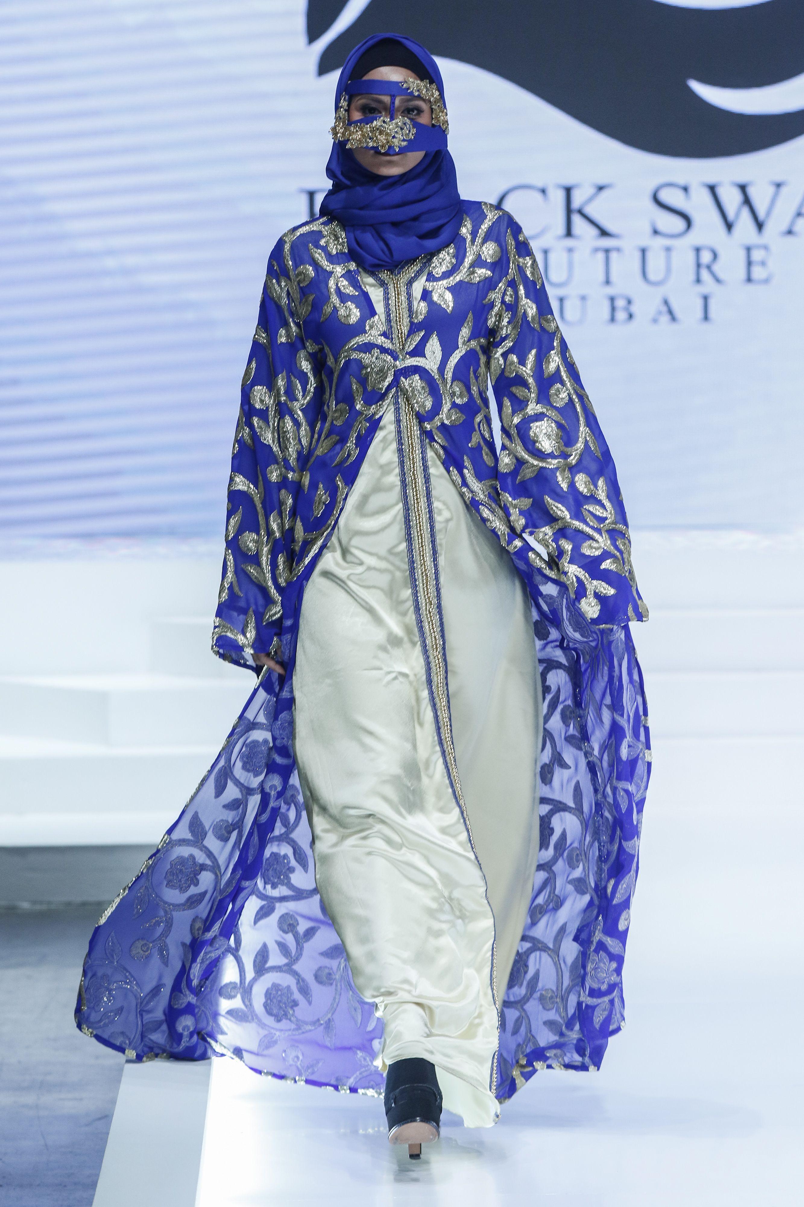 Black swan hijabfashion catwalk fashiondesign muslim