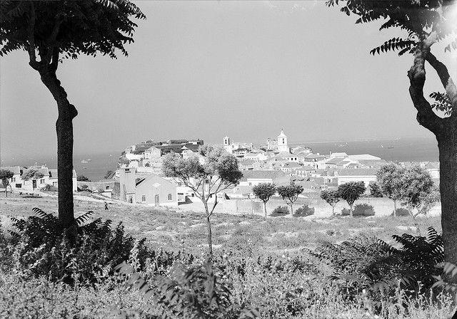Almada, Portugal    Vista geral de Almada.  Data provável da produção da fotografia original: 1946.  Fotógrafo: Mário Novais (1896-1967).