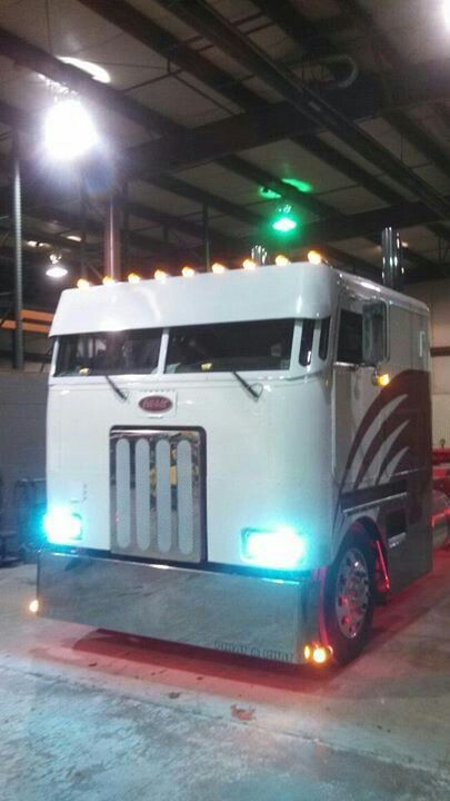 Cabover pete nice!