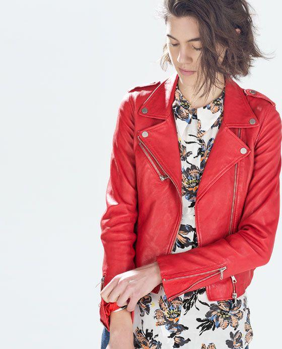 Imagen 2 de CHAQUETA PIEL FRUNCE LATERAL de Zara | Estilos