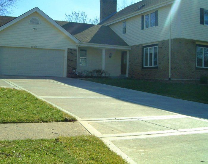 What Types Of Finishes Are Available Refer To How Thick Should A Concrete Driveway Be Concrete Driveways Exposed Aggregate Driveway Concrete