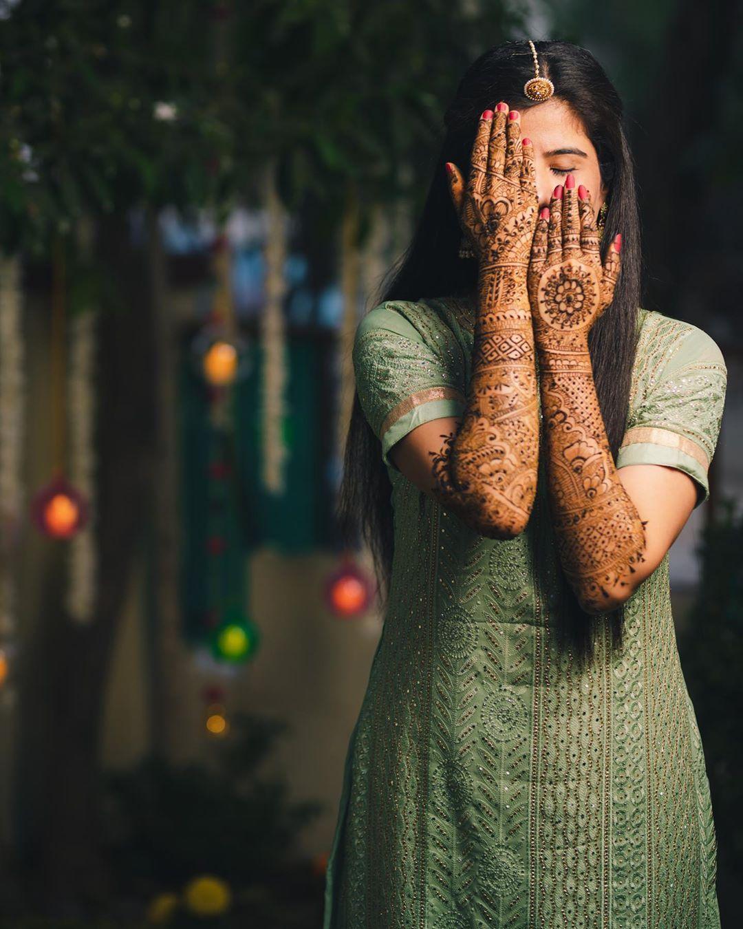 #mehendi #mehenditime #heena #bride #bridalmehendi #indianbride #threadsbyau #wedding #weddings #weddingz #indianweddings #loveforweddings #candid #candidphotography #candidphotographer #photo #photography #photographer #instabride #teamnikon #weddingphotography #weddingphotographer #instawedding #nikon #indian_wedding_inspiration #bridebook #weddedwonderland #bridesofindia #instaphotographers #instamoments