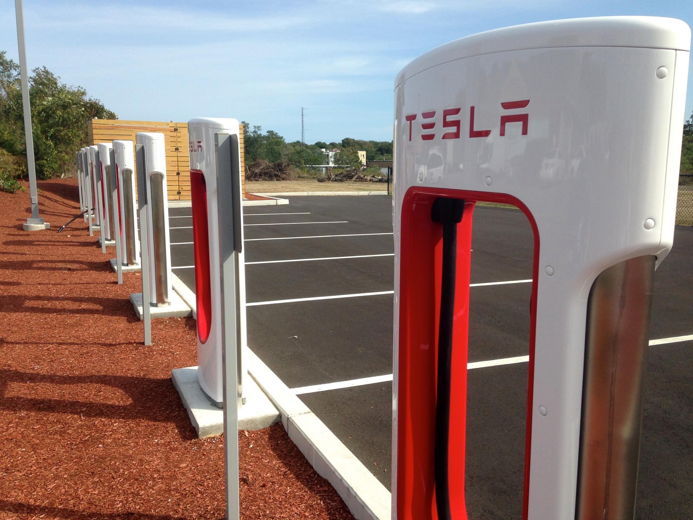 tesla charging 2400 1800 ev charge stations pinterest electric vehicle and. Black Bedroom Furniture Sets. Home Design Ideas