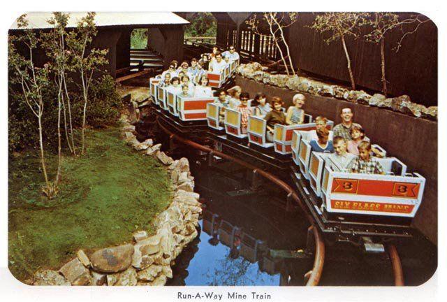 Six Flags The Original Runaway Mine Train My Favorite Coaster Six Flags Over Texas Six Flags Theme Park