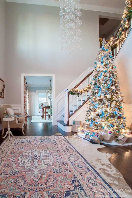 simple, classic christmas home decor ideas-holiday home tour