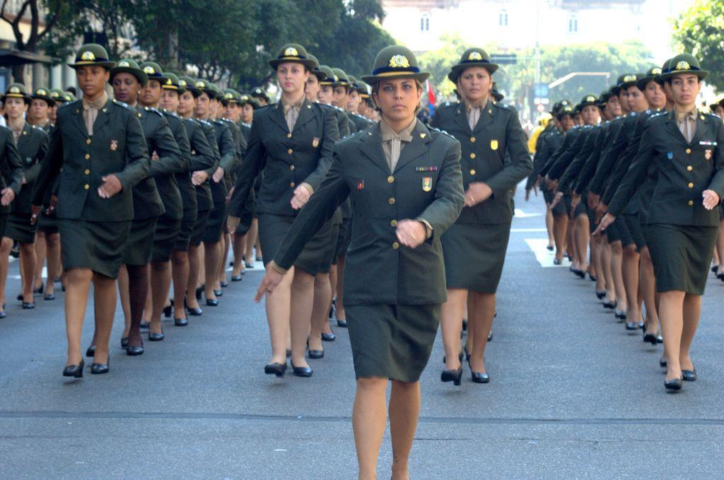 Brazilian Military Brazilian Army Com Imagens Mulheres