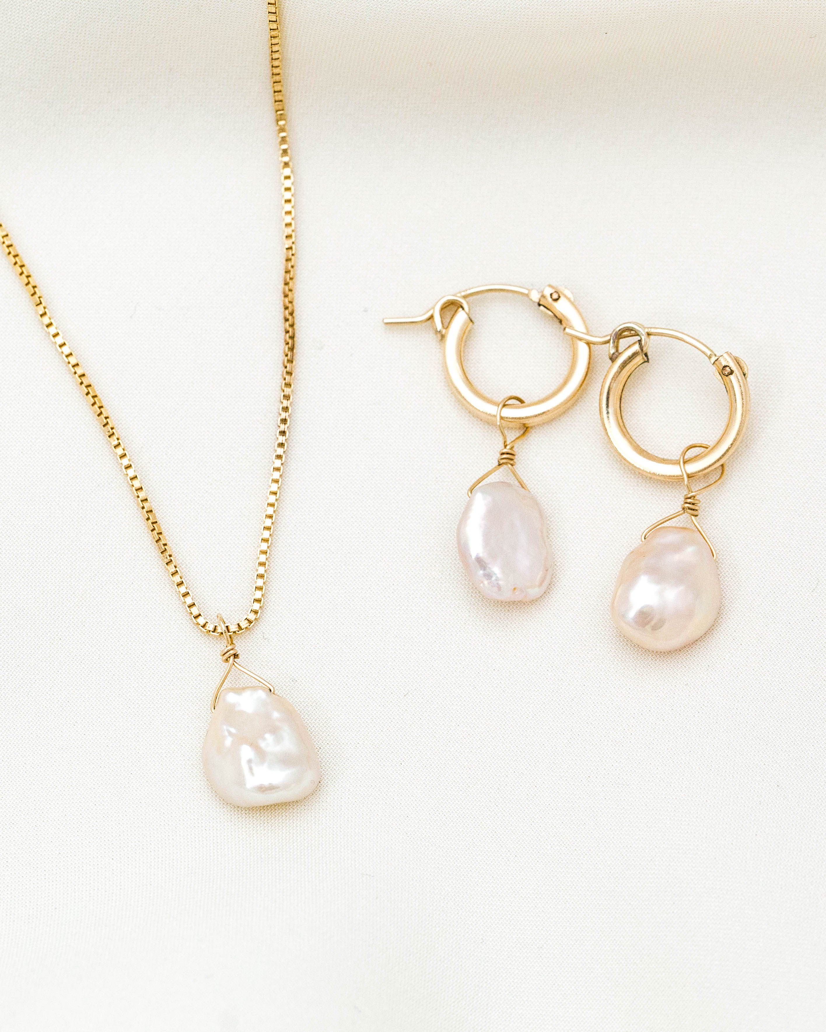 Opal Pink Pearl Necklace