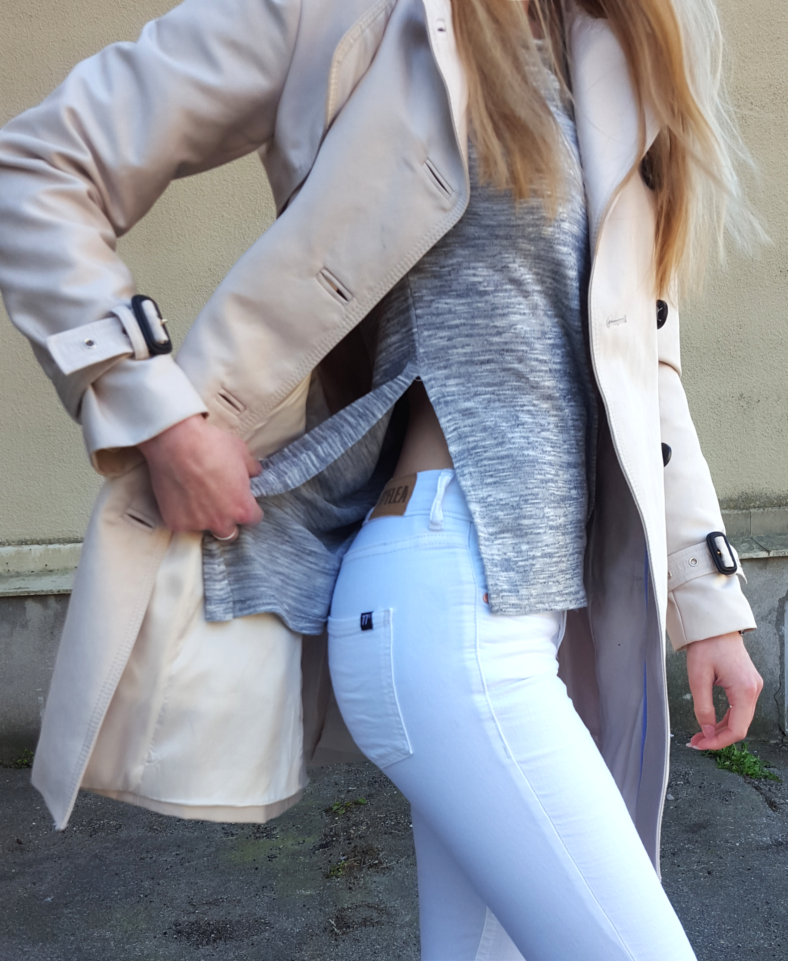 Spring outfit. Neutrals. White jeans, trenchcoat, grey t-shirt