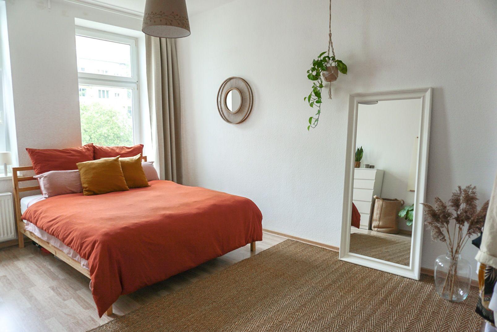 Minimalistisches Boho Schlafzimmer In 2020 Wg Zimmer Inneneinrichtung Zimmer