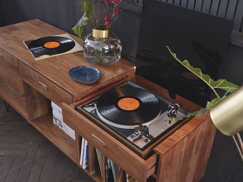 Buffet Meuble A Vinyles En Acacia Massif Gimmick Maisons Du Monde In 2020 Record Cabinet Vinyl Record Furniture Stereo Cabinet