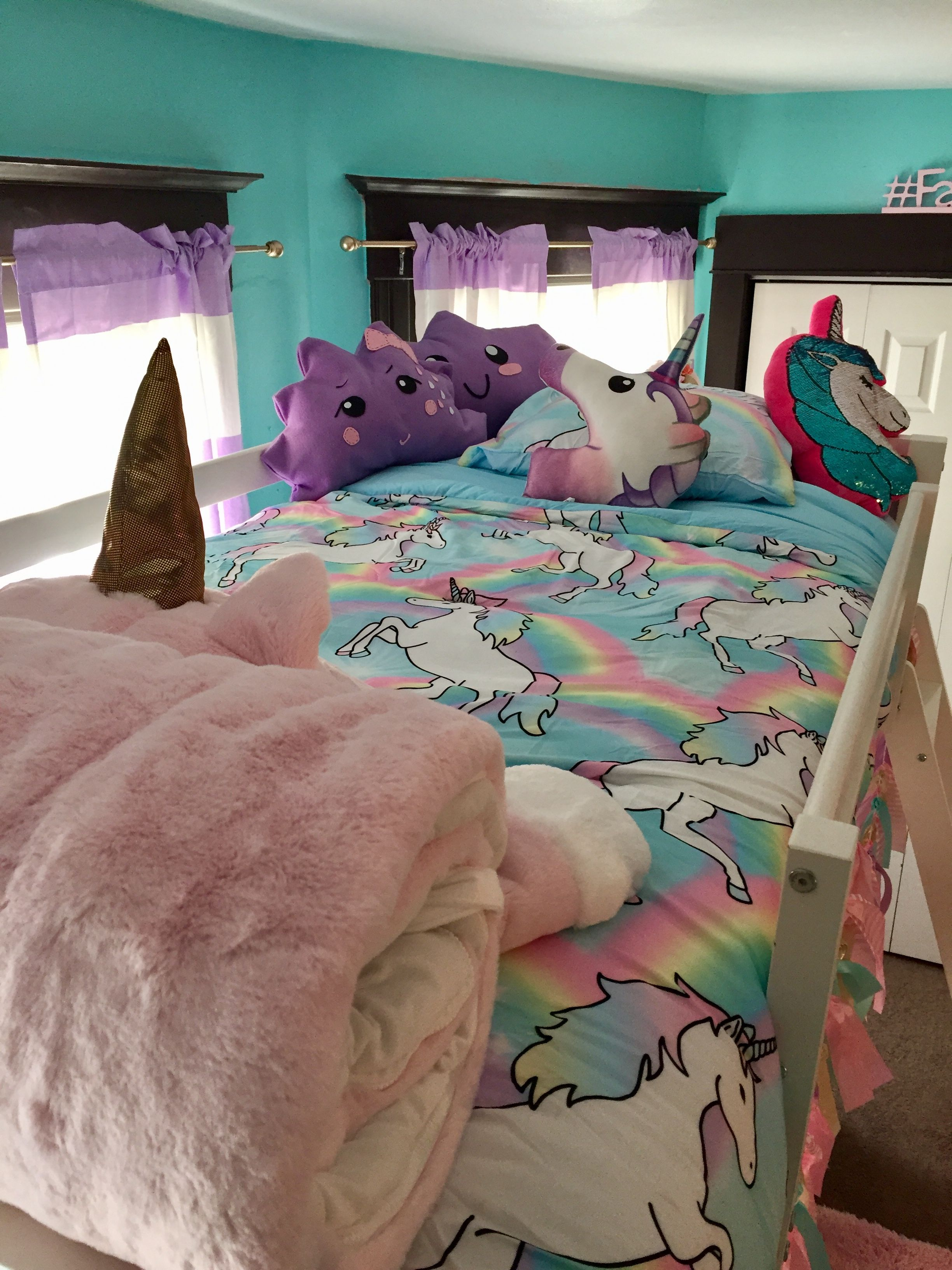 Decoration Chambre Licorne Isabella S Unicorn Bedroom Makeover Mrs Mighetto Girly Tween