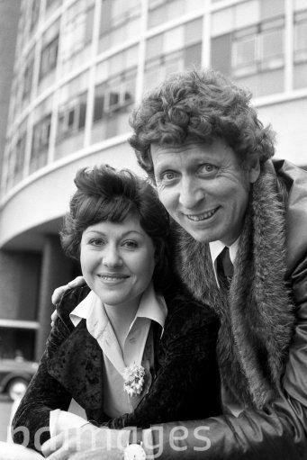 394ba0862bdfe Elisabeth Sladen who stars in Doctor Who pictured with Tom Baker ...