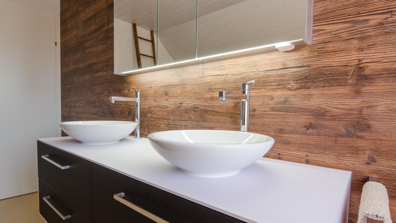 Rückwand Badezimmer ~ Pin von schreinerei koch ag auf rustikal trifft auf modernes