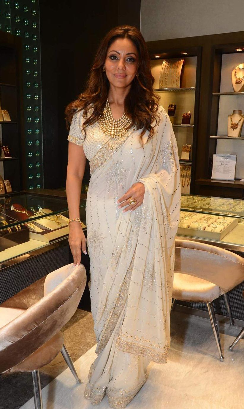AN ABSOLUTE JEWEL!  Gauri Khan wore Abu Jani Sandeep Khosla Couture at the unveiling of Mahesh Notandass's Festive Collection.  Dressed in an off white georgette Badla saree edged in zardozi borders, Ms Khan was the most elegant jewel in the room!