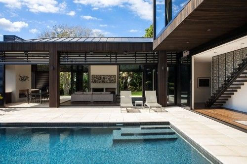 outdoor courtyard swimming-pool modern house design. Flat ...