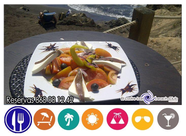 y para empezar a comer tenemos Ensalada a la Brisa del Mar y las olas ¡ te esperamos ! reservas 868081242