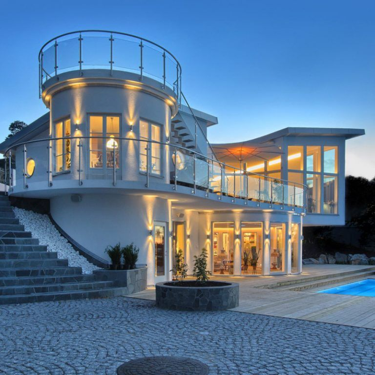 Waterfront Villa Features State Of The Art Architectural Design With Roof Terrace Idesignarch Interior Design Architecture Interior Decorating Emagazine Luxury House Plans Facade Design Beautiful Roofs