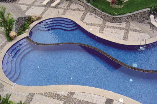 nice pool design, great tanning ledge