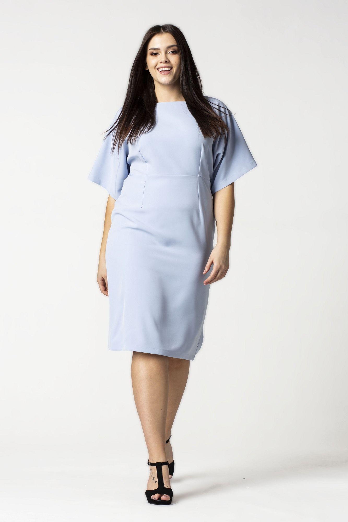 a291e4a912 Sukienka MEGAN w minimalistycznym stylu to ciekawa alternatywa dla  jaskrawych i pełnych przepychu trendów. Model